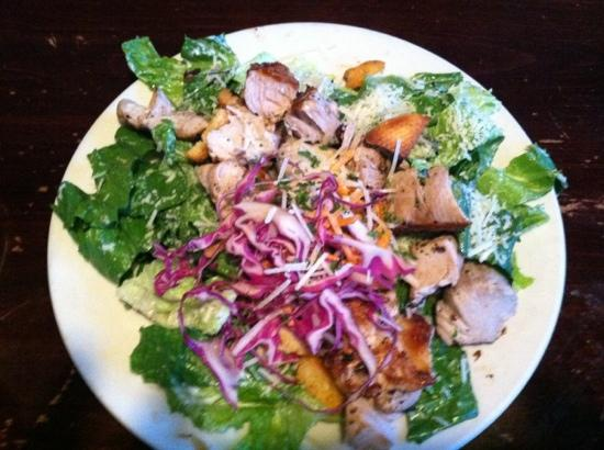 No Frill Bar & Grill : Caesars Salad with Tuna (small)