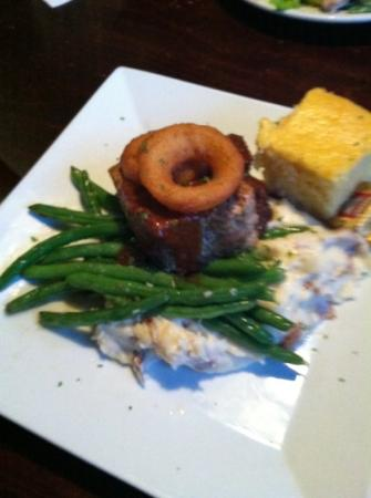 No Frill Bar & Grill : Meat Loaf