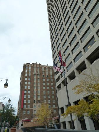 Residence Inn Memphis Downtown : Exterior of the property on the left