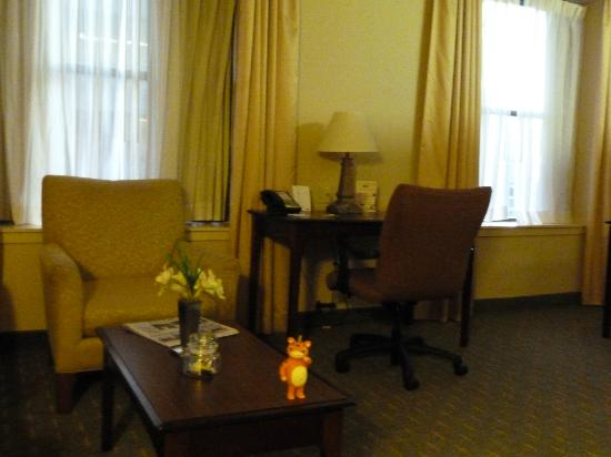 Residence Inn Memphis Downtown: Desk