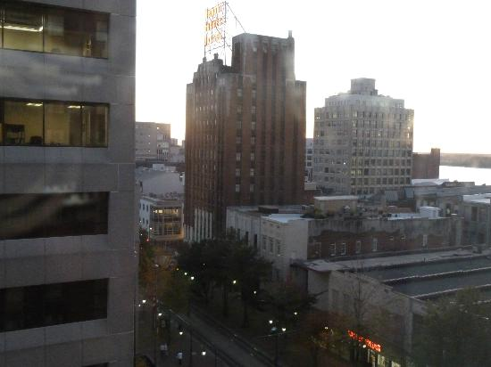 Residence Inn Memphis Downtown : View from the room