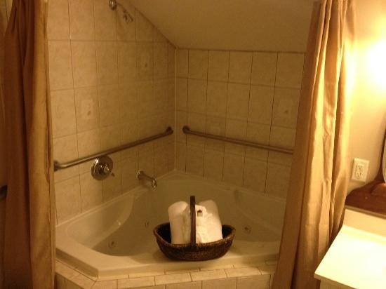 Agustin Inn: Bathroom 