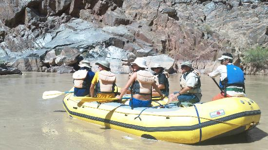Outdoors Unlimited Grand Canyon Rafting: Lower Canyon Paddle