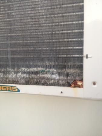 Hokele Suites Waikiki: air conditioning unit