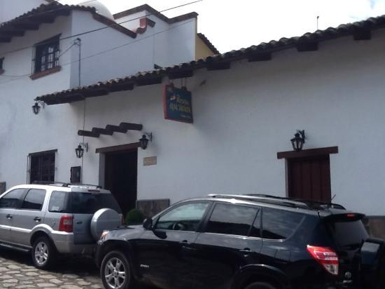 Posada Real Tapalpa: Front view of hotel