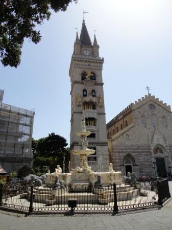 写真Bell Tower and Astronomical Clock (Orologio Astronomico)枚