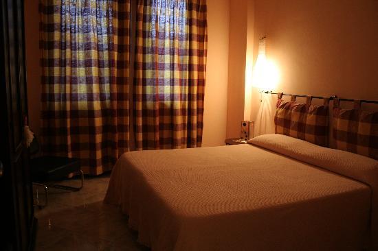 Villa La Ginestra dell'Etna Bed and Breakfast: Camera matrimoniale