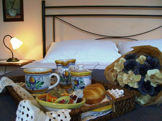 Villa La Ginestra dell'Etna Bed and Breakfast: La colazione