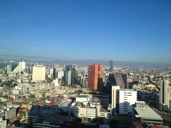 Hilton Mexico City Reforma: The view from my room( west side)