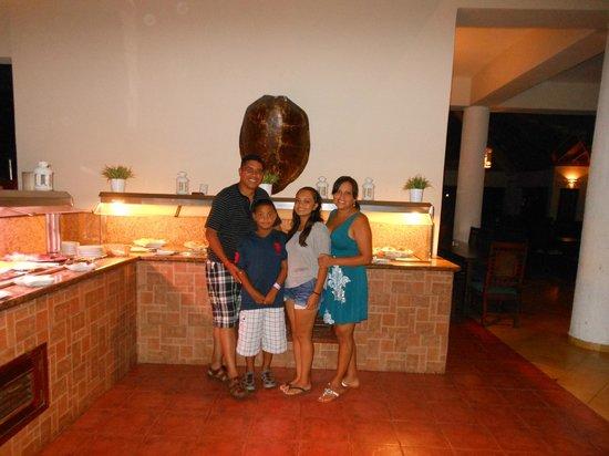 Talanquera Beach Resort: en el restauran comiendo