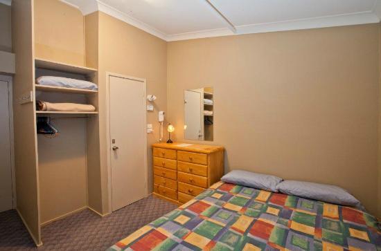Jerrabomberra Lodge: Guest Room