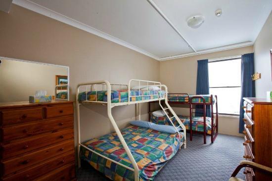 Jerrabomberra Lodge: Family Room