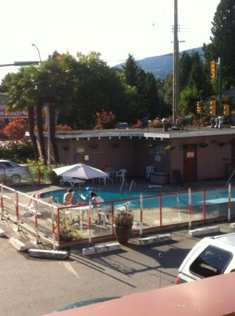 North Vancouver Hotel: view of pool from 221