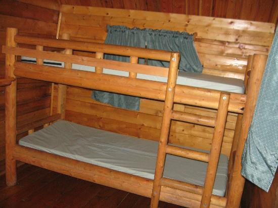 KOA 1000 Islands / Ivy Lea: 2 sets of bunks in 2 room cabin