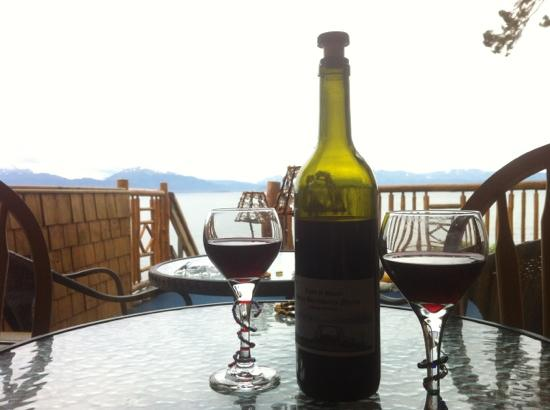 "Homer Inn & Spa: Great view with ""Paul's"" great wine"