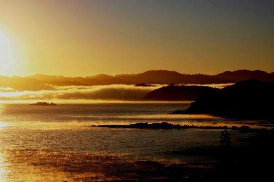 داوتليس باي فيلاز: Sunrise from the Villas