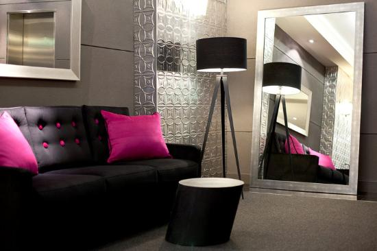 Punthill Flinders Lane Apartments: Relax In The Hotel Foyer Flinders Lane