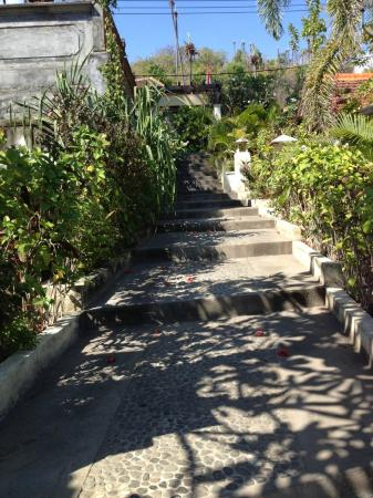 Kembali Beach Bungalows: Stairway to the entrance gate