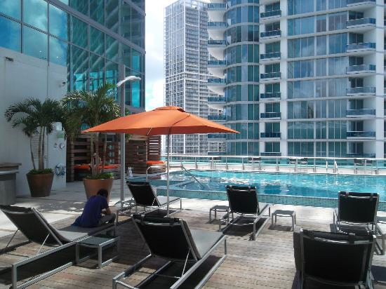 JW Marriott Marquis Miami: pool area