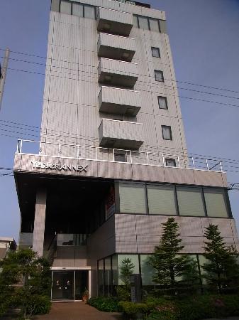 Hotel Yes Nagahama Ekimaekan: ホテルYes長浜駅前館 2号館の外観