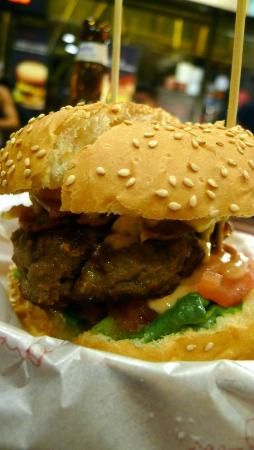 Burger Room: Bacon Cheese Burger (1)