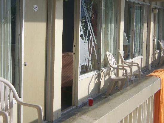 Viking Ocean Front Motel: broken window from fight also the fight woke me up