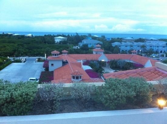 La Vista Azul Resort: view from top floor_ overseeing the parking lot & court yard 
