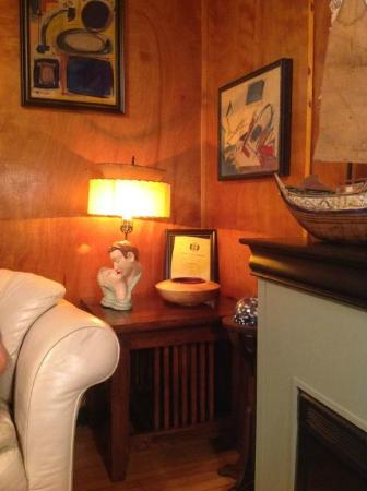 Historic Anchor Inn: Sitting room