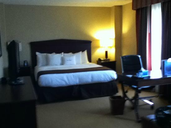 Doubletree by Hilton Atlanta Roswell : Comfortable bed
