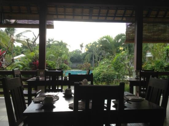 Kusuma Resort: View at breakfast