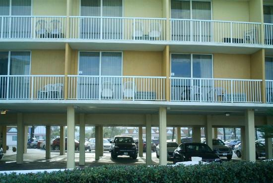 Daytona Inn Seabreeze: Balcony rooms