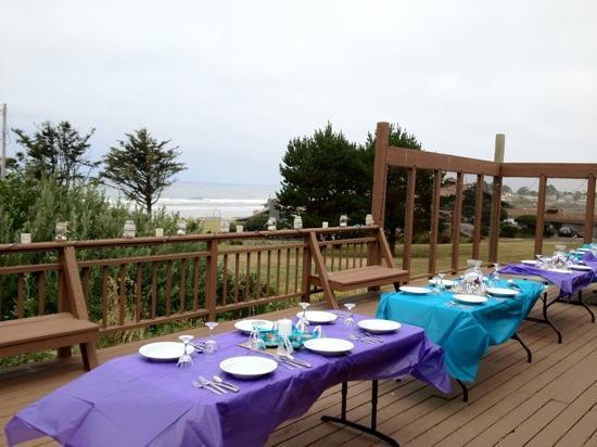 The Yachats Inn: tea house deck