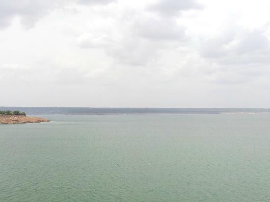 Nagarjuna Sagar Dam: The huge reservoir
