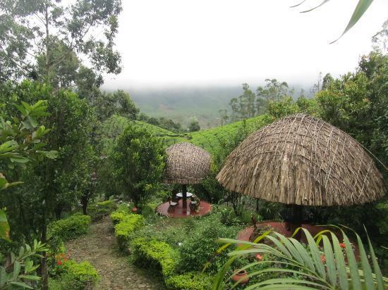 Camelot Resort: Resort Garden