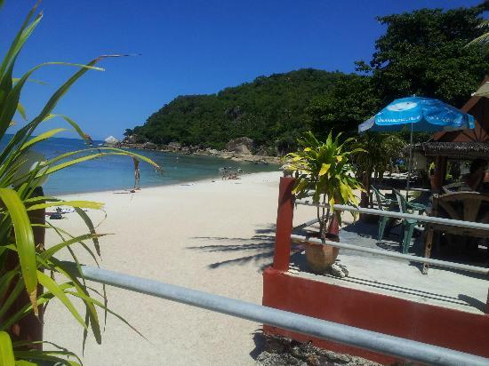 Crystal Bay Beach Resort: Beach