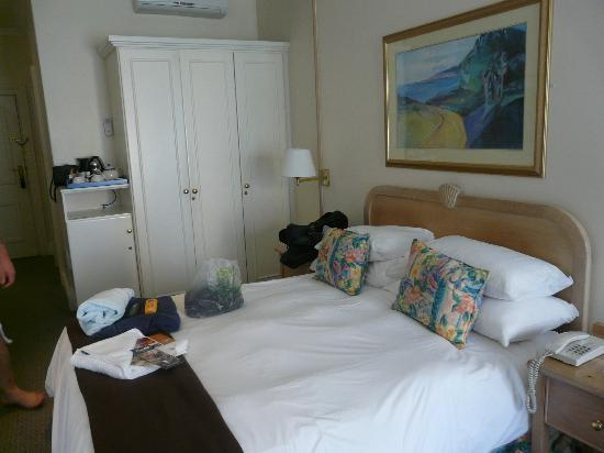 The Beach Hotel: Room