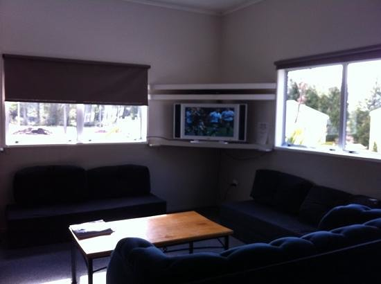 Tongariro Holiday Park:                   Sky TV in the tv room