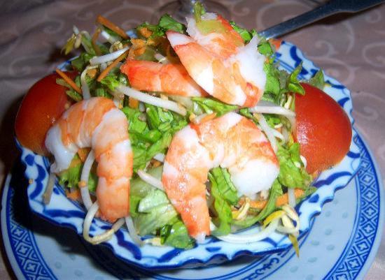 Hanh-Phuc: salade aux crevettes