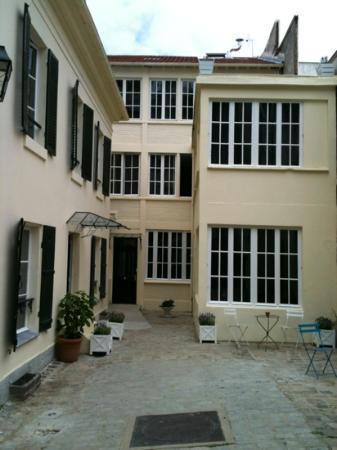 Helzear Montparnasse Rive Gauche : oustide picture of helzear site