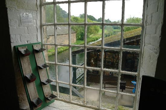Caudwells Mill & Craft Centre: View of the mill pond