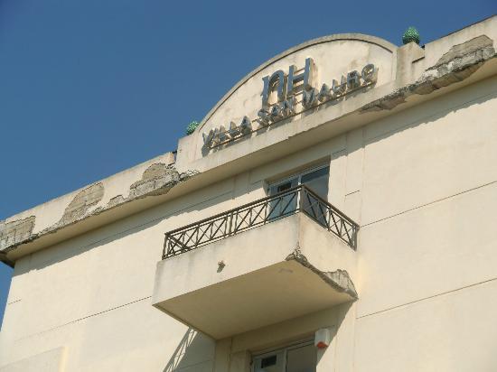 NH Caltagirone Villa San Mauro: Hotel building