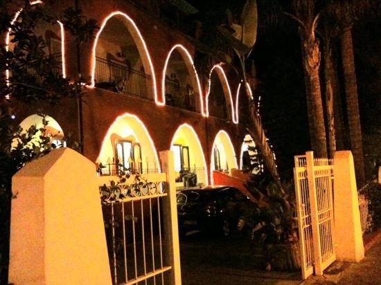 Hotel Terme Oriente: hotel sera