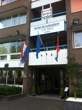 New West Inn Amsterdam: Entrée de l'hôtel