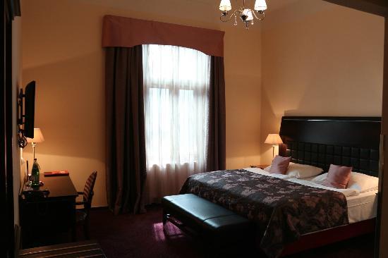 EA Embassy Prague Hotel: Habitación del hotel