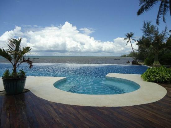Nataya Roundhouse Coral Bay Resort : Pool