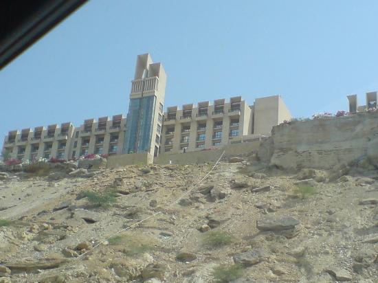 Pearl-Continental Hotel Gwadar: view of the hotel as we approach the hotel