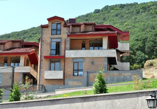 Tsakhkadzor, Armenia: Exterior