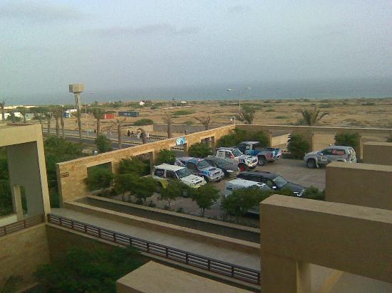 Pearl-Continental Hotel Gwadar: parking adn beach