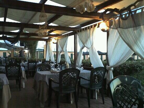 Ondina mare fregene ristorante recensioni numero di for Ristorante della cabina di campagna