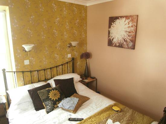 Pitcairn House: Room 3
